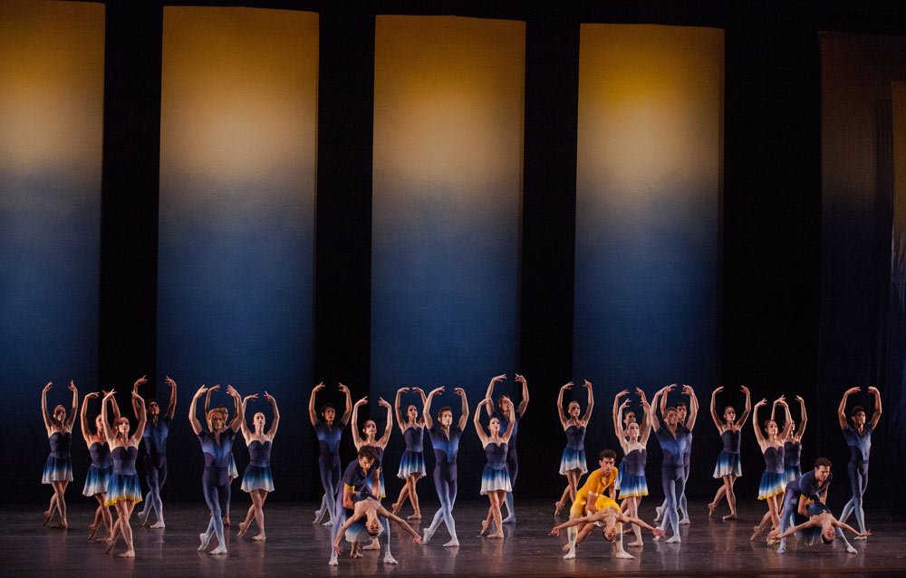 Miami City Ballet dancers in the finale of Liam Scarlett's <I>Euphotic</I>.<br />© Daniel Azoulay. (Click image for larger version)