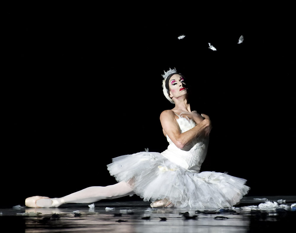 Paul Ghiselin in <I>The Dying Swan</I>.<br />© Gene Schiavone. (Click image for larger version)