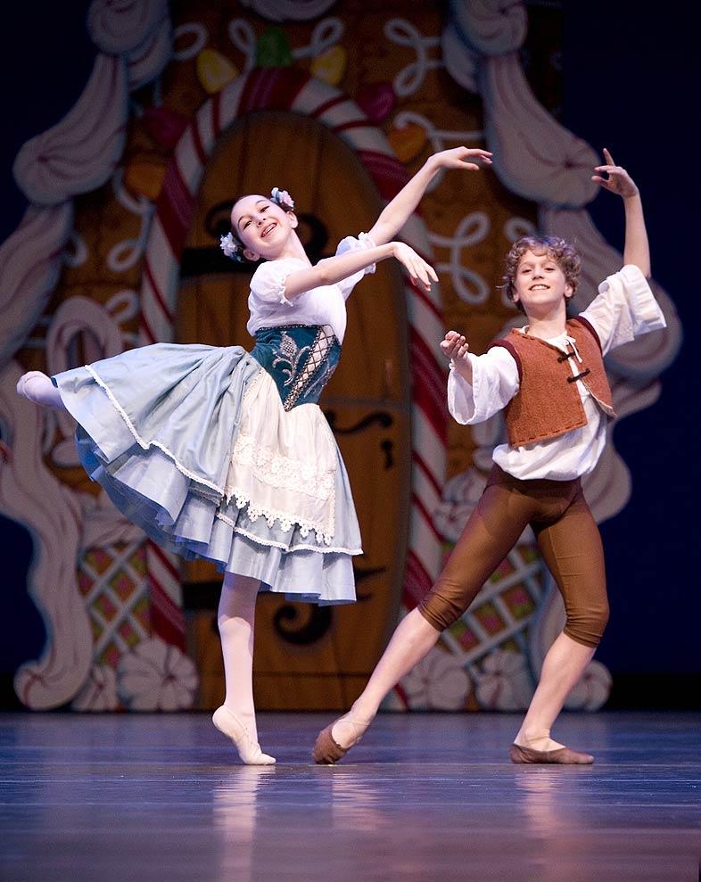 Pacific Northwest Ballet School students in Bruce Wells' <I>Hansel & Gretel</I>.<br />© Angela Sterling. (Click image for larger version)