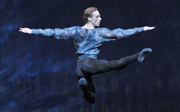 Edward Watson in Alexei Ratmansky's 24 Preludes.© Dave Morgan, by kind permission of the Royal Opera House. (Click image for larger version)