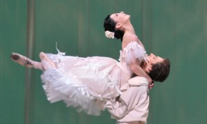 Sergei Polunin and Tamara Rojo in Marguerite & Armand.© Dave Morgan, by kind permission of the Royal Opera House. (Click image for larger version)