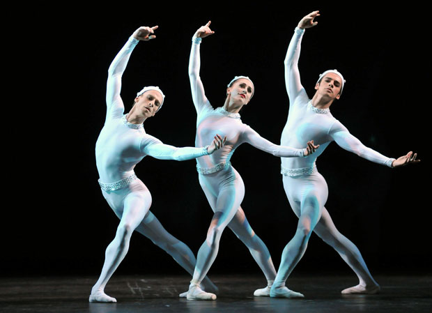 Edward Watson, Marianela Nunez and Federico Bonelli in <I>Monotones II</I>.<br />© Dave Morgan, by kind permission of the Royal Opera House. (Click image for larger version)