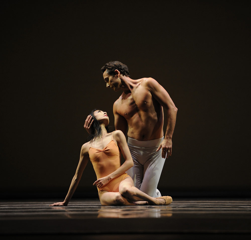 Yuan Yuan Tan and Damian Smith in Wheeldon's After The Rain.© Erik Tomasson. (Click image for larger version)