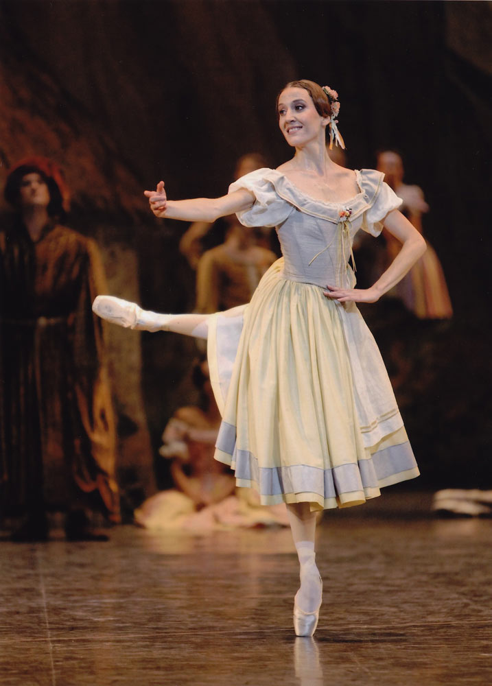 Ludmila Pagliero, here as Giselle's friends in Act I.<br />© Julien Benhamou. (Click image for larger version)