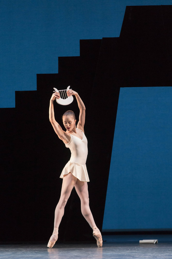 Marianela Nuñez in <I>Apollo</I>.<br />© Johan Persson, courtesy the Royal Opera House. (Click image for larger version)