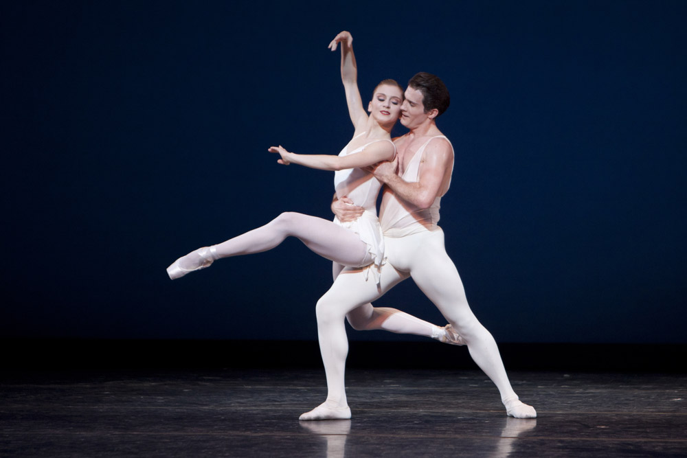 Seth Orza and Carla Körbes in <I>Apollo</I>.<br />© Lindsay Thomas. (Click image for larger version)
