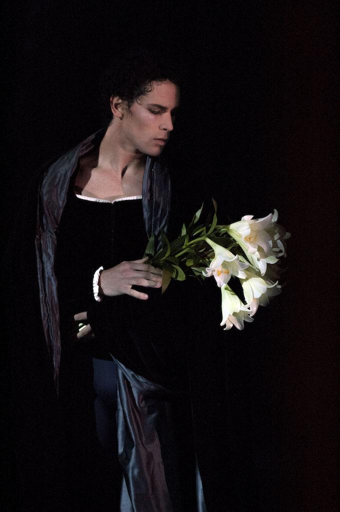 Stephane Bullion in <I>Giselle</I>.<br />© Michel Lidvac. (Click image for larger version)