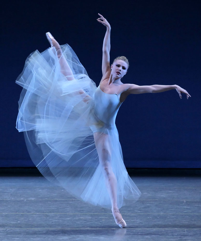 Sara Mearns in <I>Serenade</I>.<br />© Paul Kolnik. (Click image for larger version)