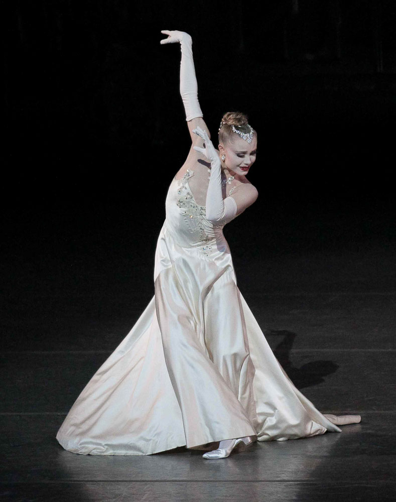 Sara Mearns in <I>Vienna Waltzes</I>.<br />© Paul Kolnik. (Click image for larger version)