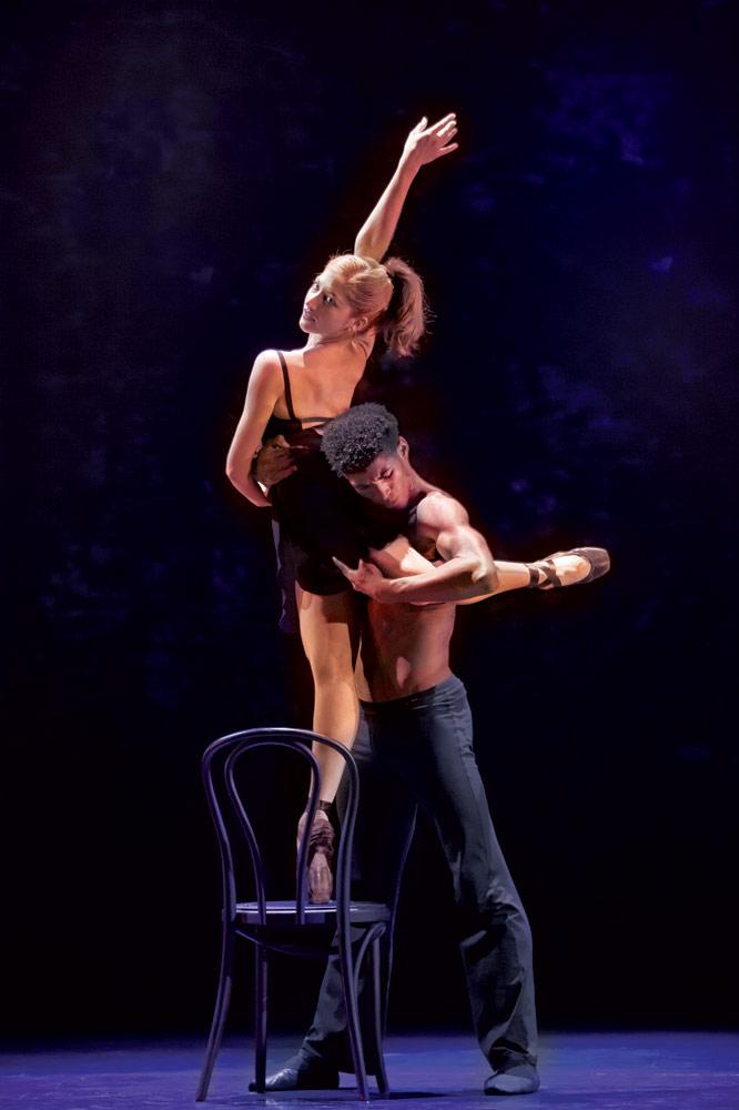Ballet Revolución.<br />© Bernd Uhlig. (Click image for larger version)