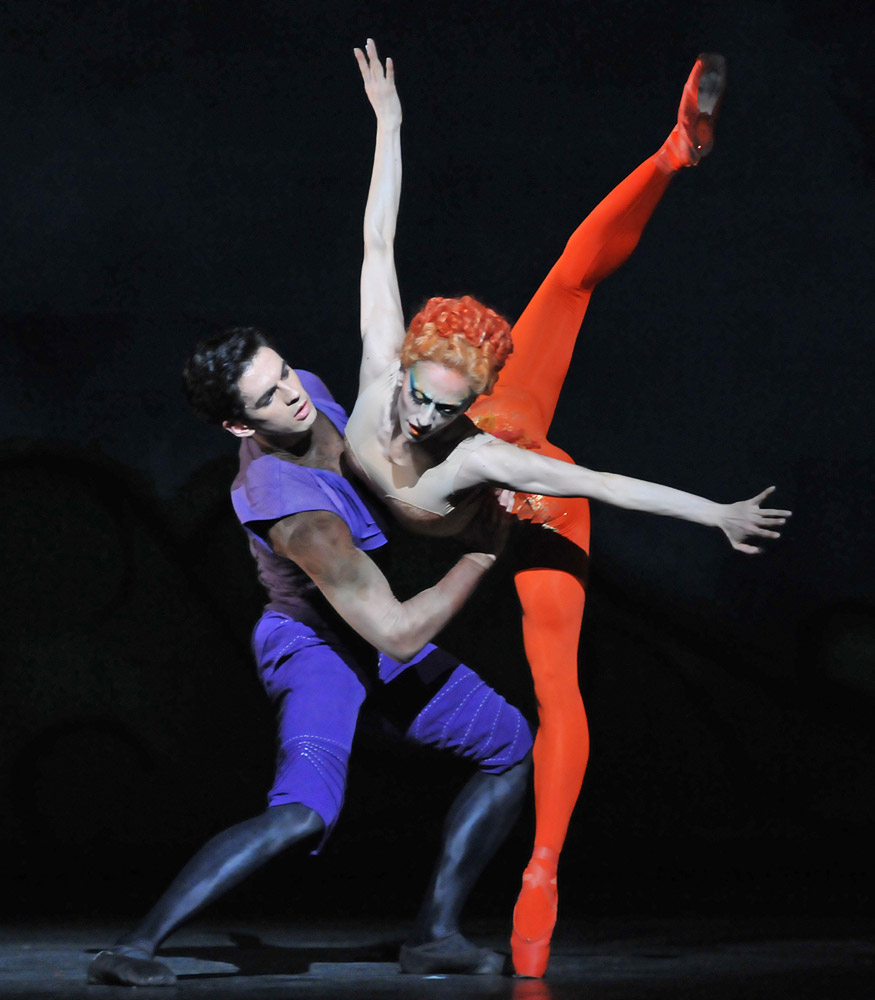 Federico Bonelli and Marianela Nuñez in <I>Diana & Actaeon</I>.<br />© Dave Morgan, courtesy the Royal Opera House. (Click image for larger version)