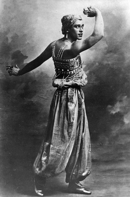 Vaslav Nijinsky as the Golden Slave in ScheherazadeCourtesy of Dancing Times. (Click image for larger version)