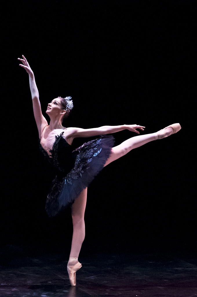 Laurretta Summerscales in Black Swan pdd from <I>Swan Lake</I>.<br />© Foteini Christofilopoulou. (Click image for larger version)