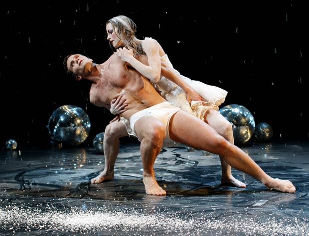 Hannes Þór Egilsson and Emilía Benedikta Guðmundsdóttir in <I>The Swan</I>.<br />© Golli. (Click image for larger version)