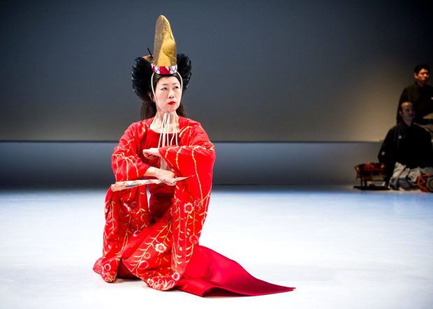 Yasuko Yokoshi in <I>Bell</I>.<br />© Ian Douglas. (Click image for larger version)