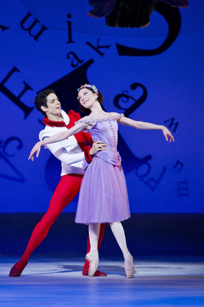 Sarah Lamb and Federico Bonelli in <I>Alice's Adventures in Wonderland</I>.<br />© Johan Persson, courtesy the Royal Opera House. (Click image for larger version)