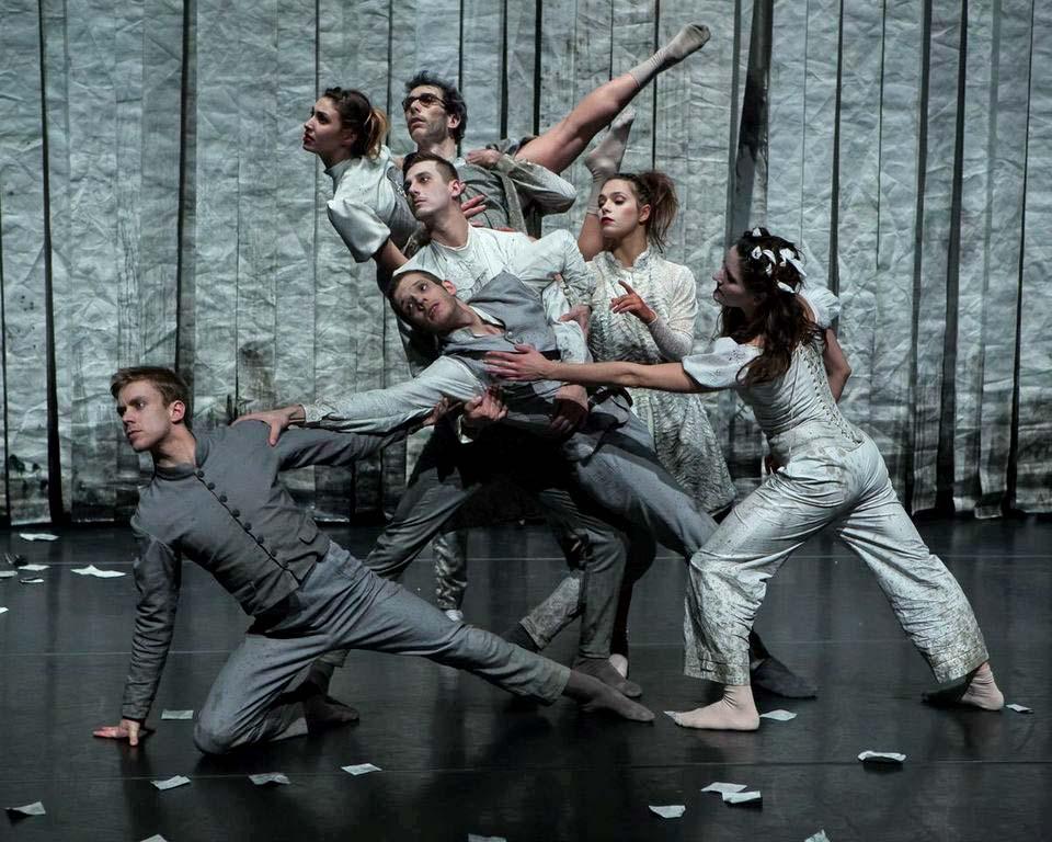 Scottish Dance Theatre in Jo Strømgren's <I>Winter Again</I>.<br />© Maria Falconer. (Click image for larger version)
