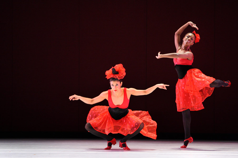 Parisa Khobdeh and Michelle Fleet in <I>Offenbach Overtures</I>.<br />© Paul B. Goode. (Click image for larger version)