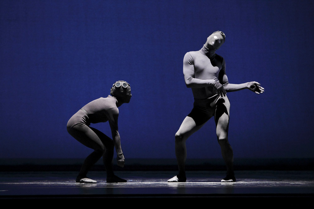 Eran Bugge and James Samson in <I>3 Epitaphs</I>.<br />© Paul B. Goode. (Click image for larger version)