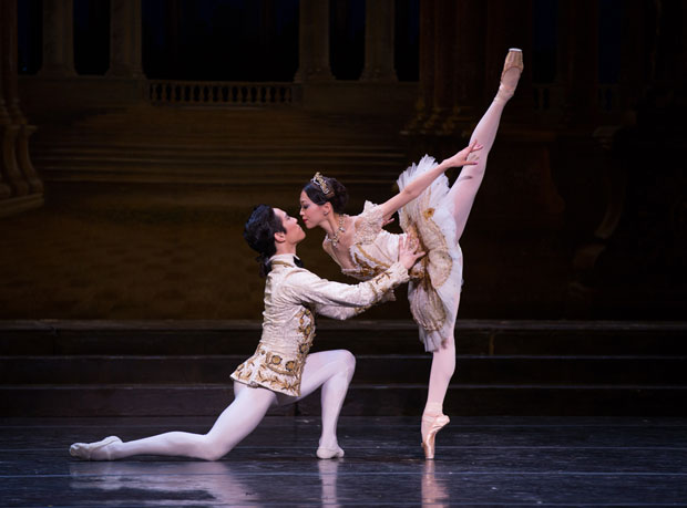 Misa Kuranaga and Jeffrey Cirio in <I>The Sleeping Beauty</I>.<br />© Rosalie O'Connor. (Click image for larger version)