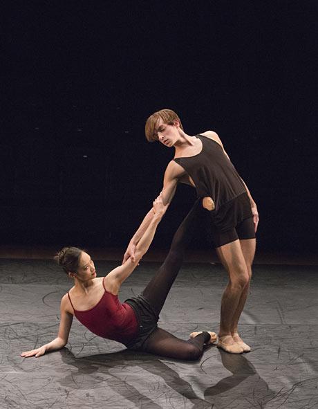 Fumi Kaneko and Sander Blommaert in Mayuri Boonham's <i>Vāc II</i>.<br />© ROH / Andrej Uspenski, 2013. (Click image for larger version)