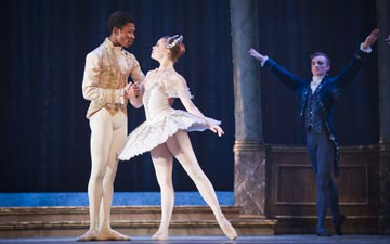 Daniela Oddi and Mlindi Kulashe in My First Cinderella.© David Jensen. (Click image for larger version)