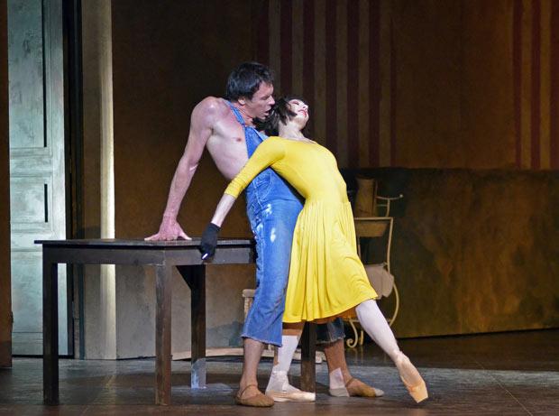 Nicolas Le Riche and Tamara Rojo in <I>Le jeune homme et la mort</I>.<br />© Dave Morgan. (Click image for larger version)