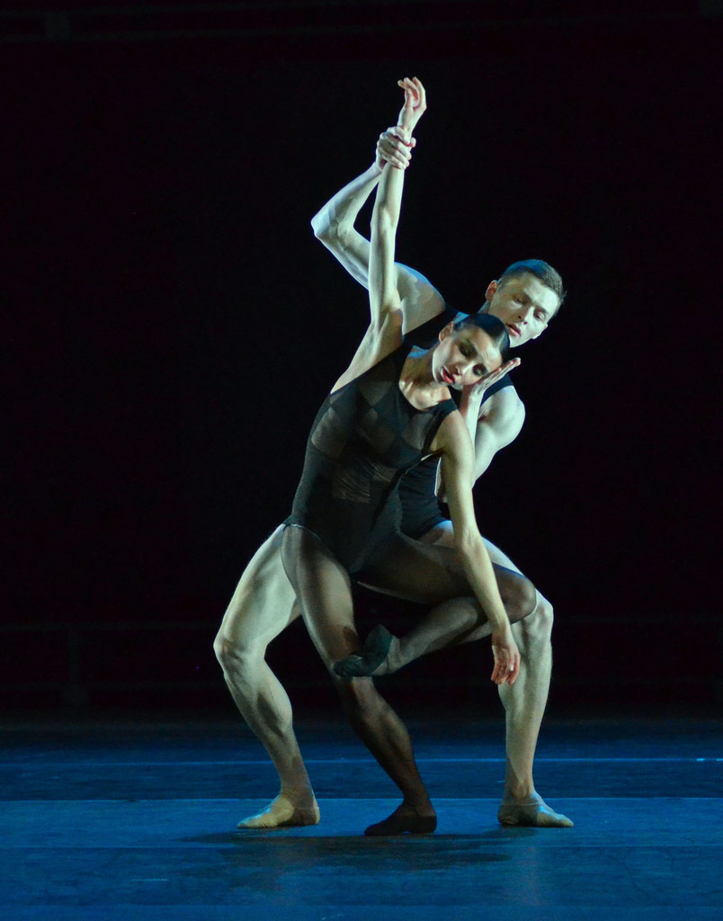 Mikhailovsky Ballet in <I>Multiplicity. Forms of Silence and Emptiness</I>.<br />© Dave Morgan. (Click image for larger version)