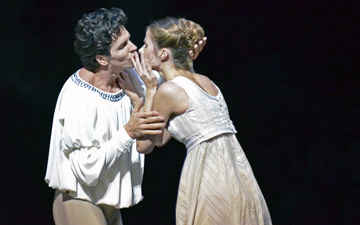Guillaume Cote and Heather Ogden in Romeo and Juliet.© Dave Morgan. (Click image for larger version)