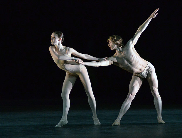 Mikhailovsky Ballet perform Nacho Duato's <I>Without Words</I>.<br />© Dave Morgan. (Click image for larger version)