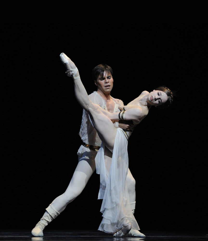 Maria Kochetkova and Joan Boada in Possokhov's <I>Francesca da Rimini</I>.<br />© Erik Tomasson. (Click image for larger version)