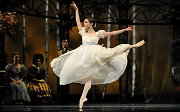 Maria Kochetkova in Cranko's Onegin.© Erik Tomasson. (Click image for larger version)