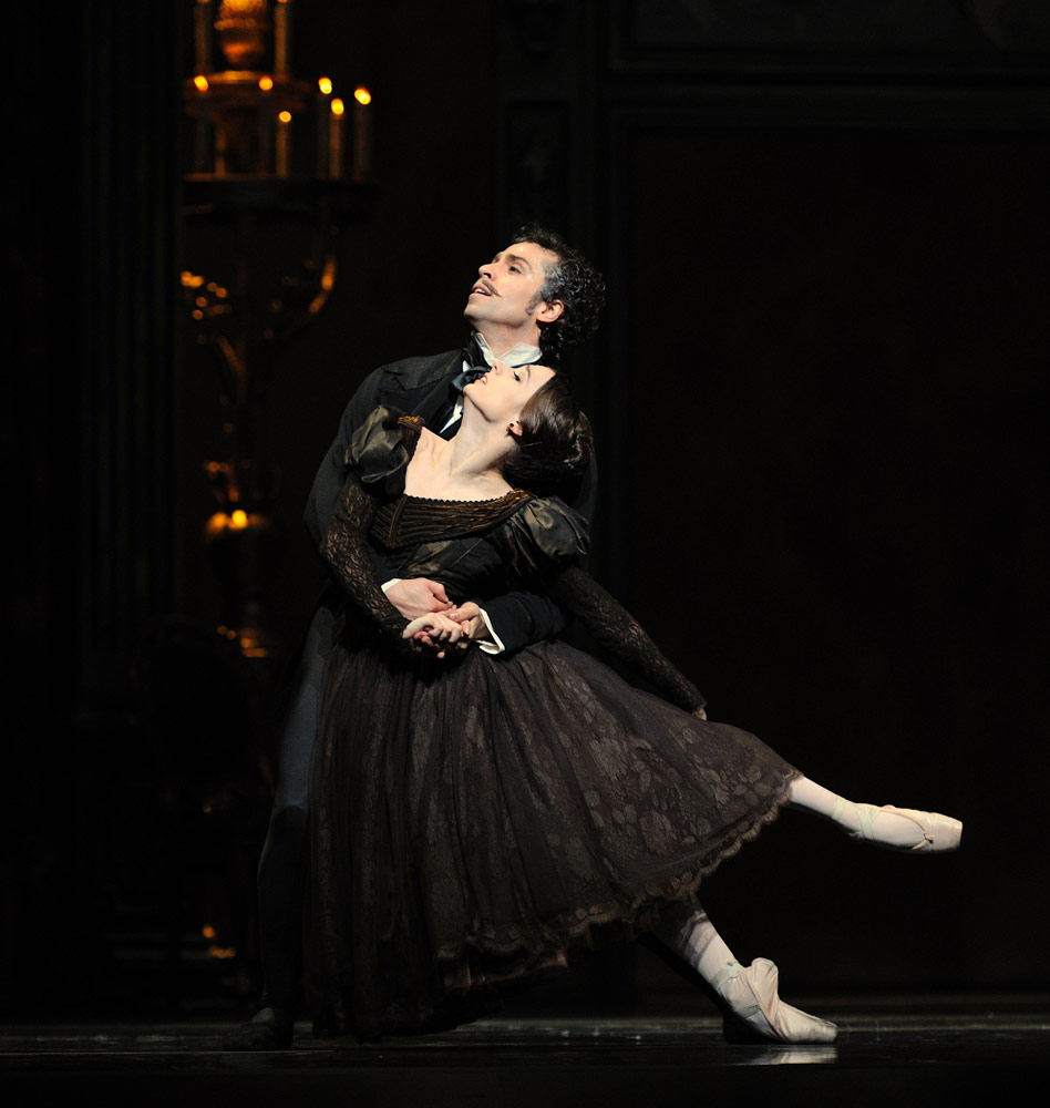 Maria Kochetkova and Vitor Luiz in Cranko's <I>Onegin</I>.<br />© Erik Tomasson. (Click image for larger version)