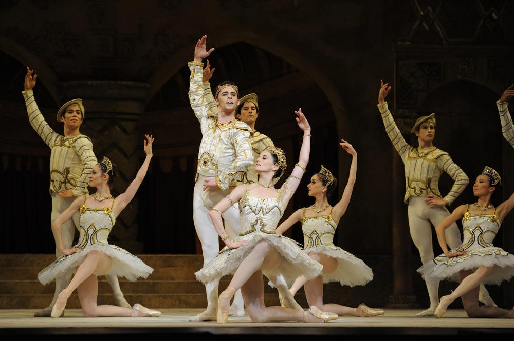 San Francisco Ballet in Nureyev's Raymonda Act III.© Erik Tomasson. (Click image for larger version)