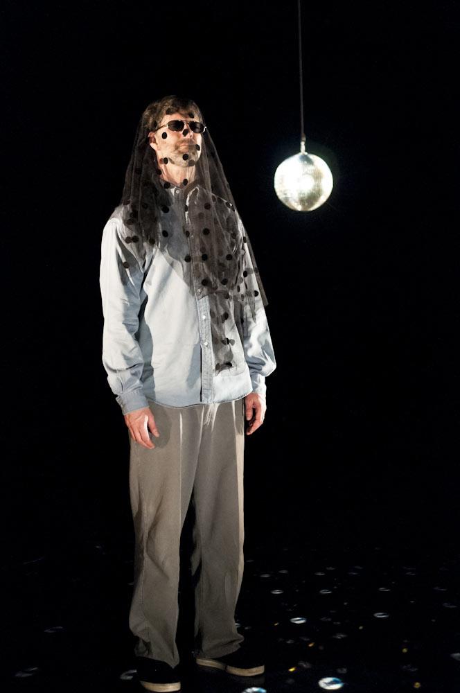 Rick Nodine in <I>Dead Gig</I>.<br />© Foteini Christofilopoulou. (Click image for larger version)