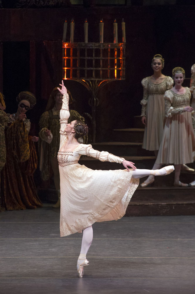Polina Semionova in <I>Romeo and Juliet</I>.<br />© and provided by HK Leisure & Cultural Services Department<br />(Click image for larger version)