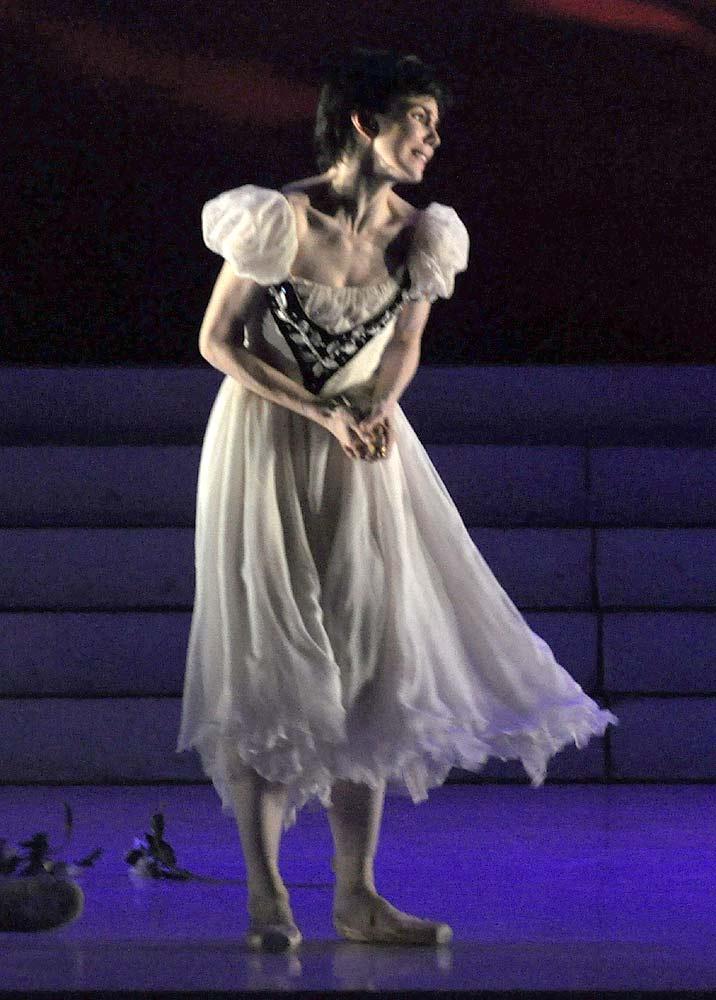 "Natalia Osipova as Juliet.<br />Here in Peter Schaufuss '21st century' version of Ashton's work. © <a href=""http://www.johnrossballetgallery.co.uk"">John Ross</a> and taken from <a href=""http://www.ballet.co.uk/2011/07/peter-schaufuss-ballet-romeo-and-juliet-london/"">Jane Simpson's 2011 review</a>. Click image for larger version."