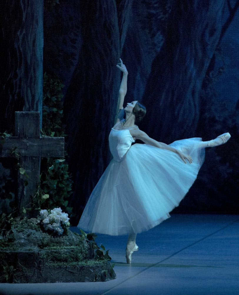 Polina Semionova in <I>Giselle</I>.<br />© The Mikhailovsky Theatre. (Click image for larger version)