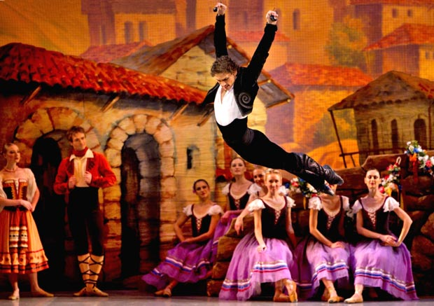 Ivan Vasiliev in <I>Laurencia</I> (from his 2012 Mikhailovsky debut).<br />© The Mikhailovsky Theatre. (Click image for larger version)