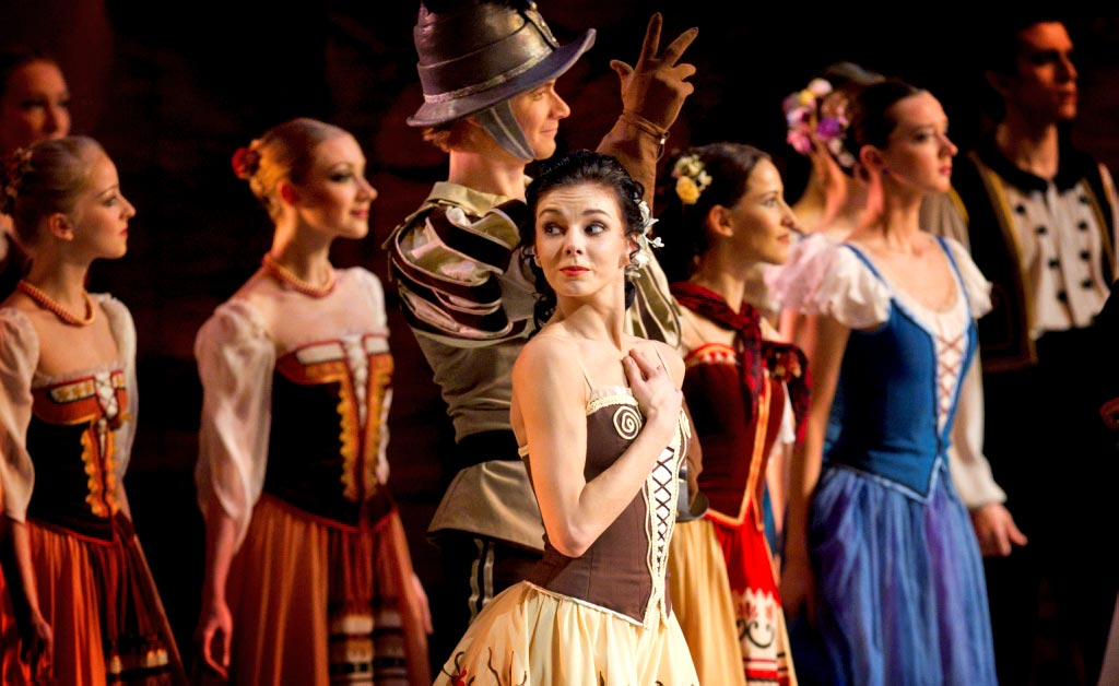 Natalia Osipova in Laurencia (from her 2012 Mikhailovsky debut).© The Mikhailovsky Theatre. (Click image for larger version)