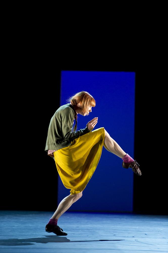 Sylvie Guillem in Mats Ek's Bye. © Bill Cooper. (Click image for larger version)