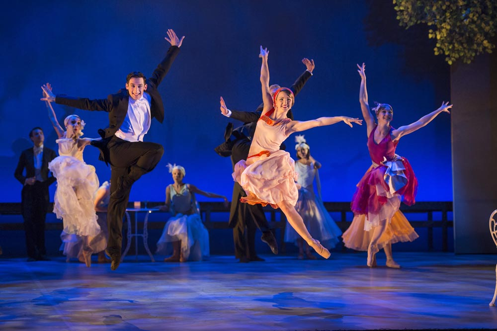 Northern Ballet in The Great Gatsby.© Bill Cooper. (Click image for larger version)