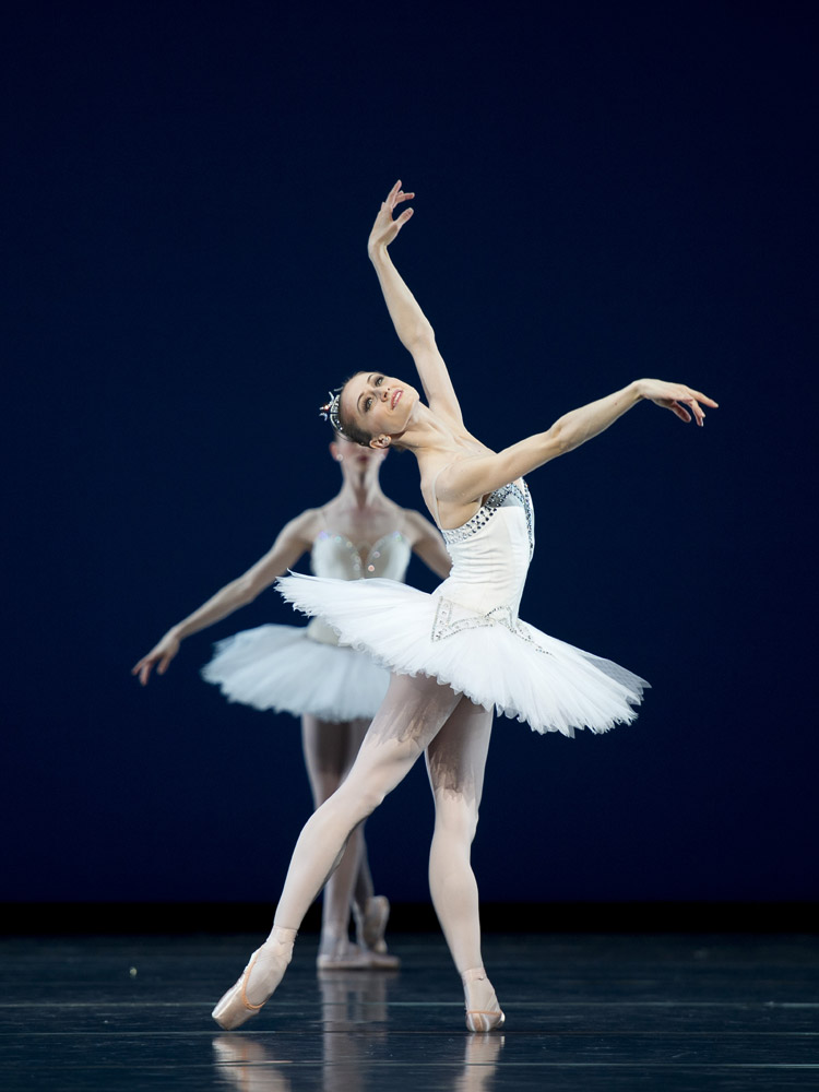 Marianela Nunez in Symphony in C.© Bill Cooper, courtesy the Royal Opera House. (Click image for larger version)