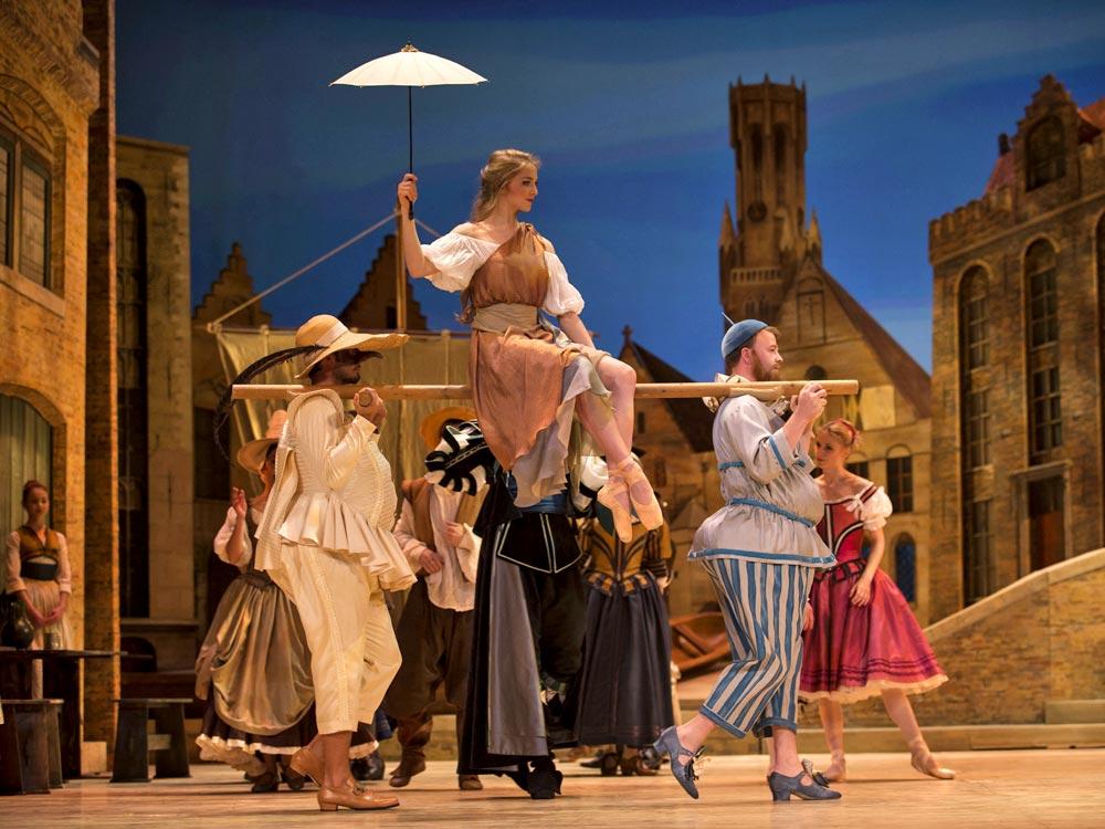 Astrid Elbo as the Tightrope Dancer in <I>Kermessen in Bruges</I>.<br />© Costin Radu. (Click image for larger version)