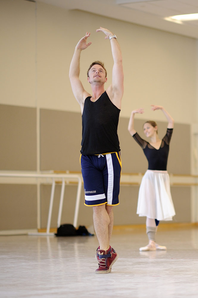 Christopher Wheeldon rehearsing his new <I>Cinderella</I>.<br />© Erik Tomasson. (Click image for larger version)