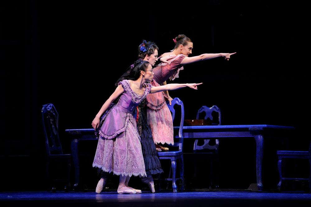 San Francisco Ballet in Wheeldon's Cinderella.© Erik Tomasson. (Click image for larger version)