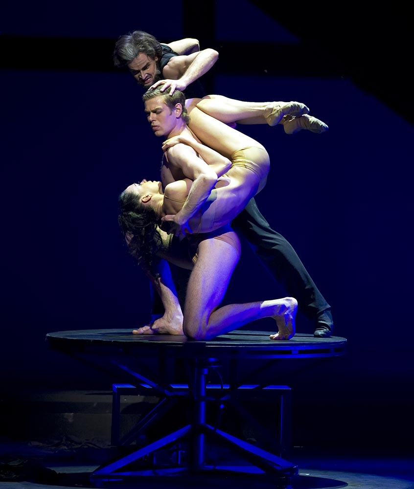 Eifman Ballet in Rodin.© Gene Schiavone and courtesy of Eifman Ballet. (Click image for larger version)