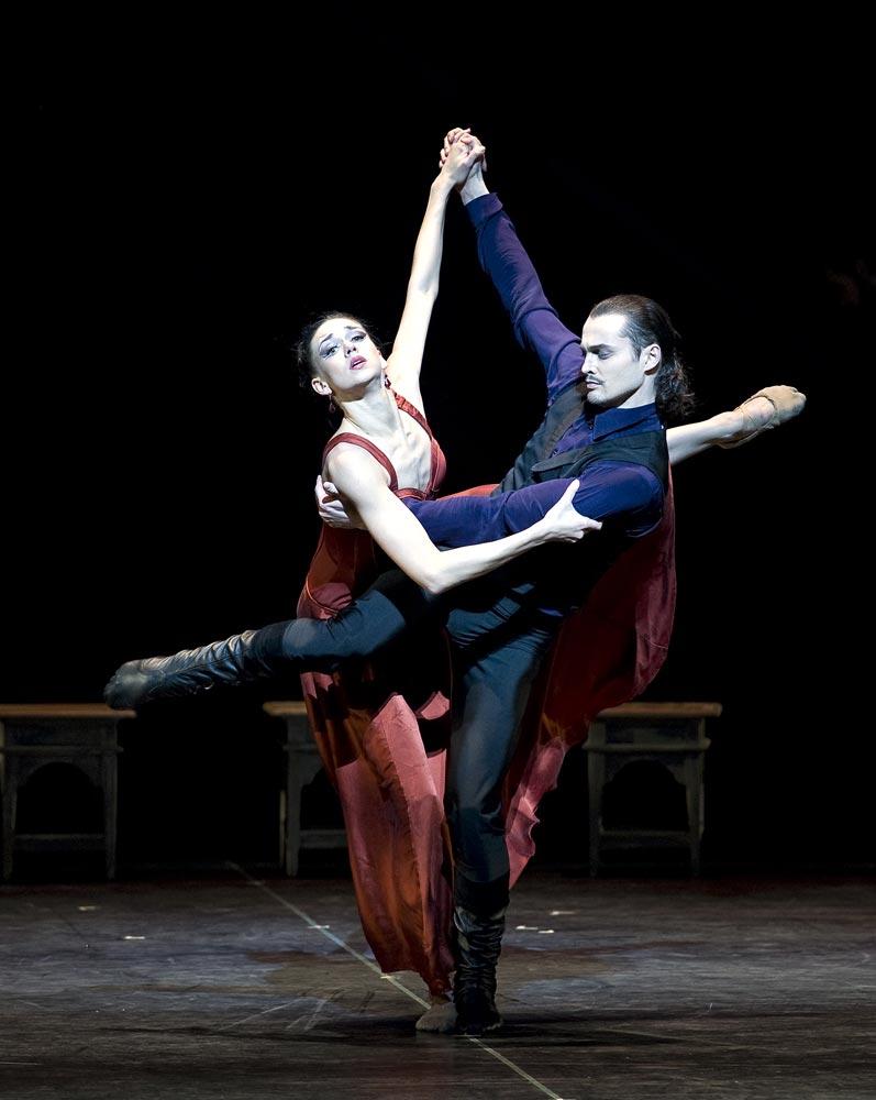 Eifman Ballet in <I>Rodin</I>.<br />© Gene Schiavone and courtesy of Eifman Ballet. (Click image for larger version)
