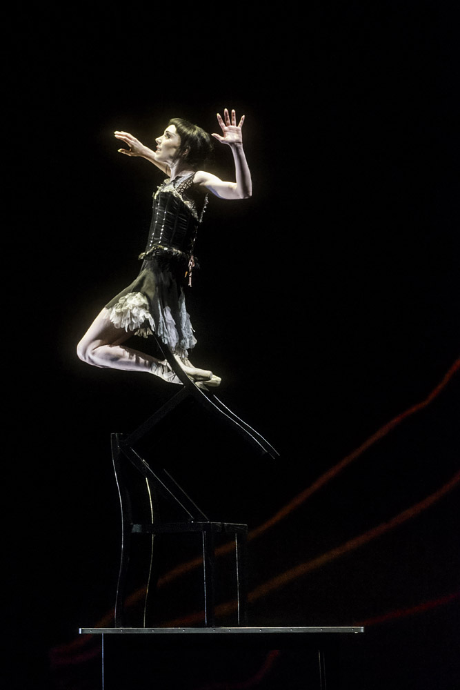 Sarah Lamb in <I>Raven Girl</I>.<br />© ROH / Johan Persson, 2013.