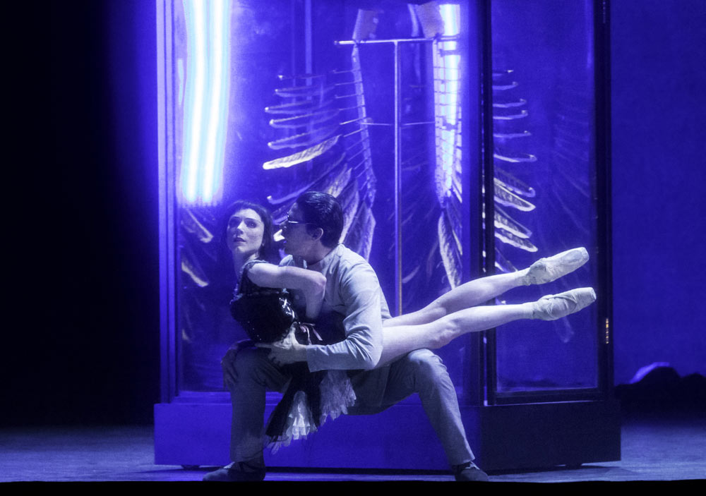 Sarah Lamb and Thiago Soares as the Doctor in Raven Girl.© ROH / Johan Persson, 2013.